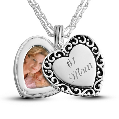 Expressions Swing Picture Pendant with complimentary Classic Beveled Edge Round Keepsake Box